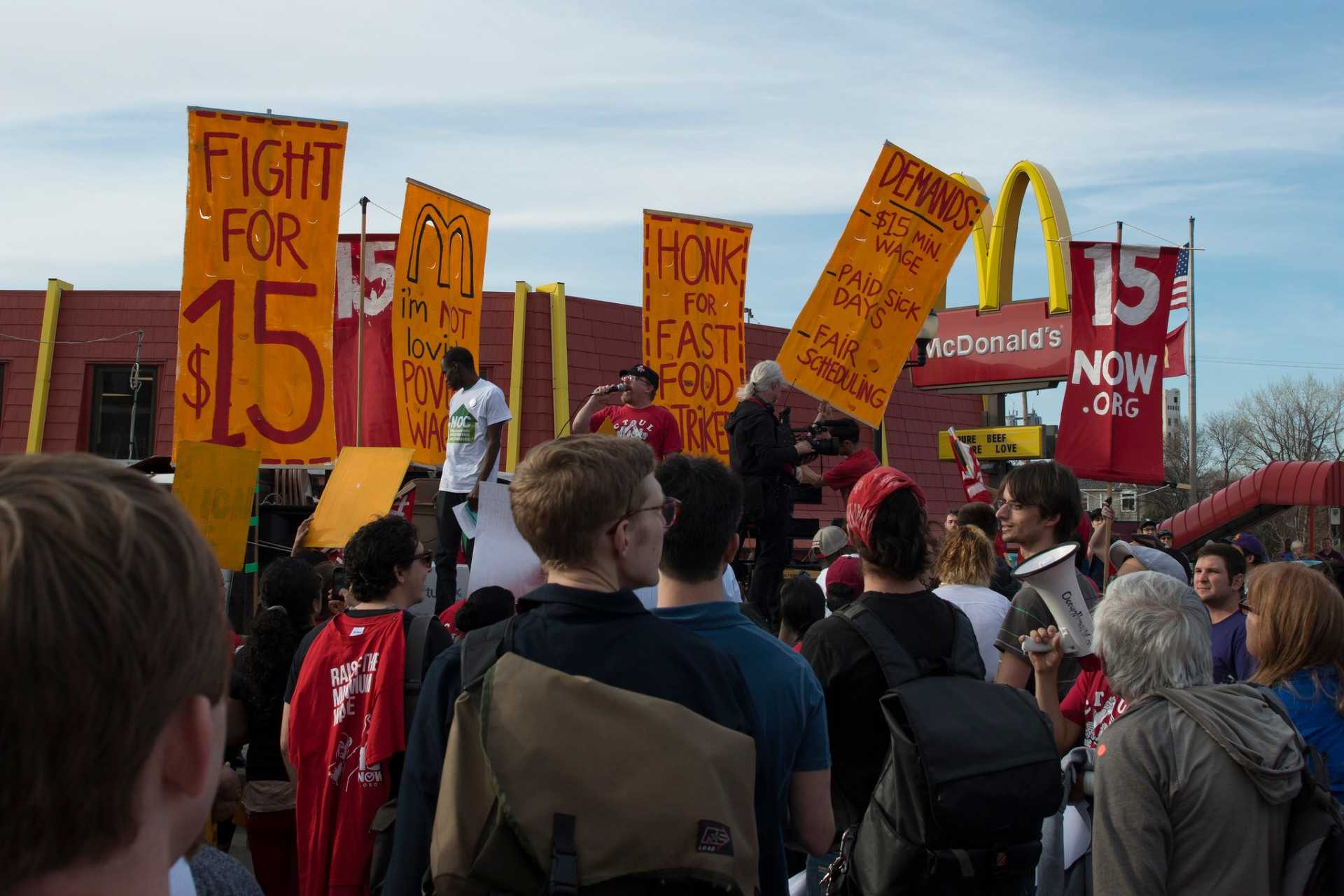 Strike and protest for a $15/hour minimum wage at a McDonald's restaurant. Fibonacci Blue/Flickr